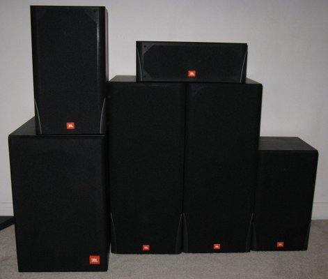 JBL 5 1 Surround Sound Speakers in excellent condition