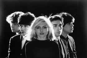 All Together now sings: Blondie Heart of Glass: open choir @ Copper Owl May 7 2018 - Oct 25th @ Copper Owl