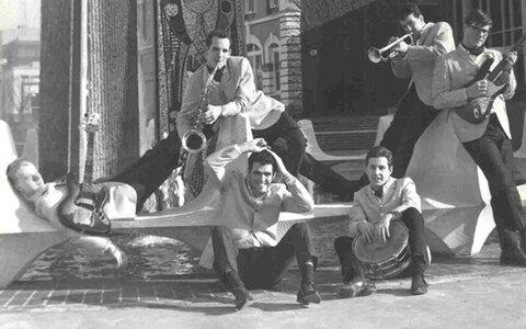 Bobby Faulds & The Strangers