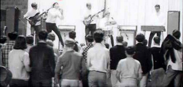 Photo- Furysbobmemorial1967  -   The Furys
