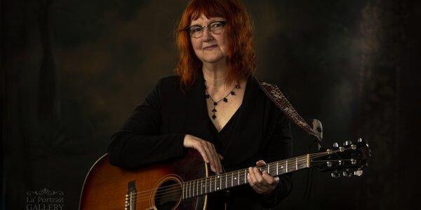 Photo -   Linda McRae  - Photo Credit:  Roots Music Canada