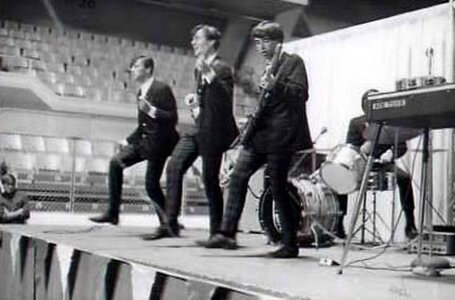 Photo- Centennial Battle of The Bands, Saturday June 24, 1967 Memorial Arena Victoria B.C.  -   Cry For Justice