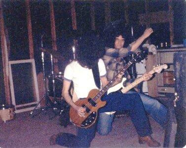 Photo- Flat Out - In The Garage (Steve Bob 2) - Clrbal  -   FlatOut