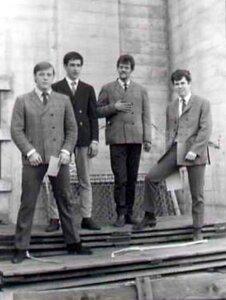 Photo- Gulliverstravelsbobmemorial1967a  -   Gullivers Travels