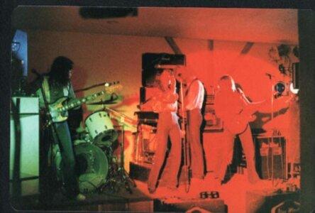 Photo- Bluewindliveolys2  -   Olys Cabaret