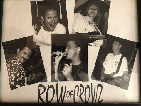 Row Of Crowz