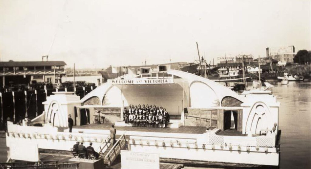 Profile Image: Welcome To Victoria Gardens Showboat