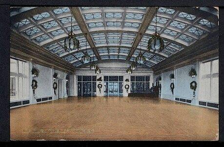 Photo- 1922 postcard  -   Crystal Ballroom