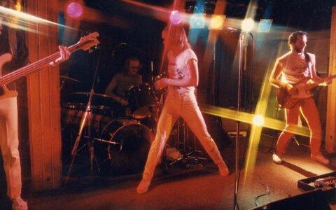 Photo- Stonebolt Sunset 1  -   Sunset Cabaret