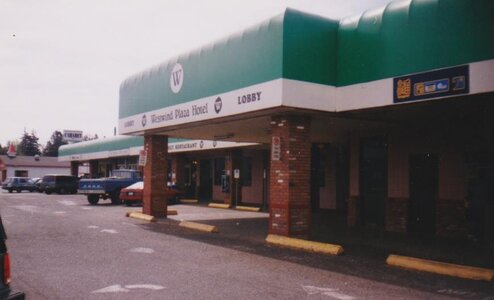 Photo- Westwind Hotel Entrance 1999  -   Champs Cabaret